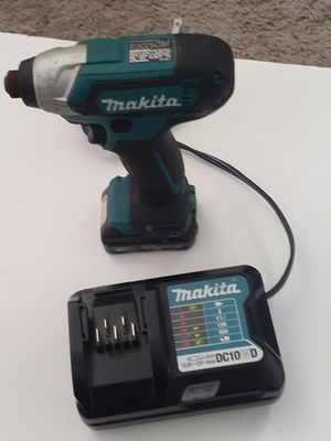 Makita 12 volts impact drill for Sale in Los Angeles, CA