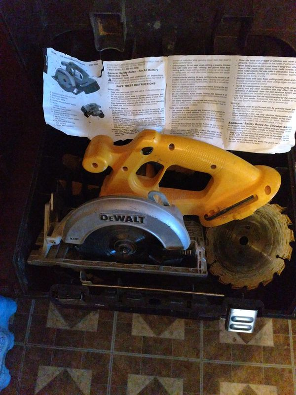 DeWalt Battery Powered Circular Saw