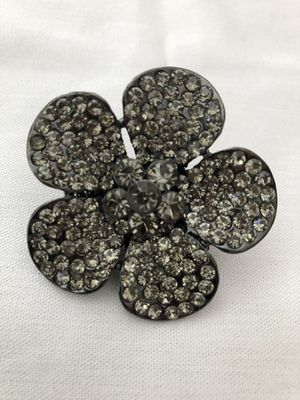 Beautiful Ring size 6 very good condition like new for Sale in Laguna Niguel, CA