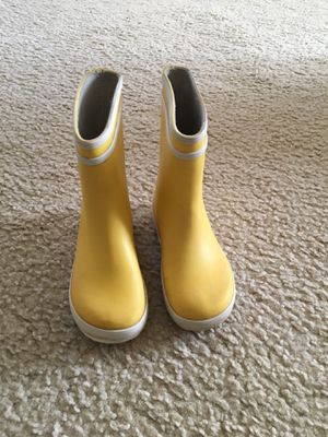 Girl/Boy rain boots yellov Size 8-9 Aigle BABY FLAC Children's for Sale in Arlington, VA