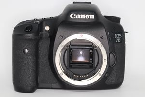 Canon EOS 7D (great condition) for Sale in Rochester, MI