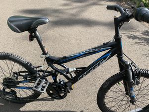 """Kids bike 20"""" almost new. for Sale in Aurora, OR"""