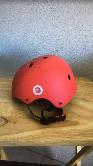 Kids helmet size small for Sale in Clearwater, FL