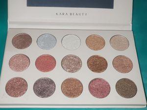 Kara beauty eye shadow pallete for Sale in Pico Rivera, CA