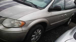 Minivan 2005 for Sale in Hyattsville, MD