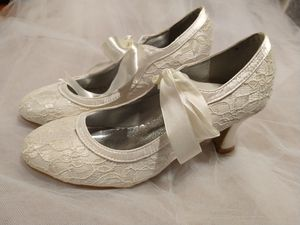 Ivory lace wedding Shoes for Sale in Bedford Park, IL