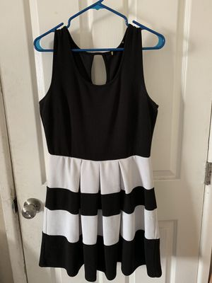 Black/White stripped dress for Sale in San Diego, CA