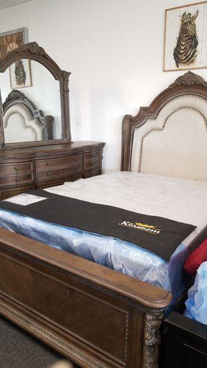Bedroom set for Sale in Reedley, CA