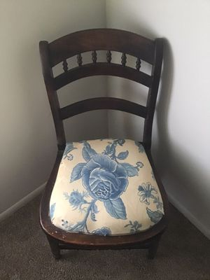 Antique Chair for Sale in Boiling Springs, SC