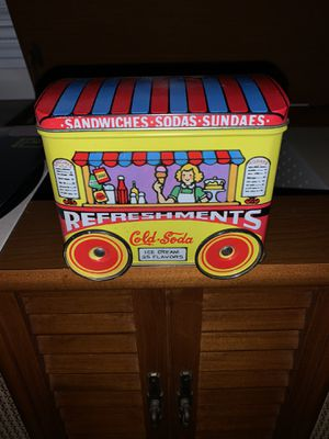Vintage 1960's Refreshments Wagon Tin - the wheels roll! for Sale in Cary, NC