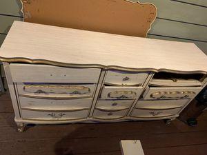 Antique dresser for Sale in Silver Spring, MD
