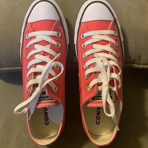 Dark Pink Converse Chuck All Stars for Sale in Cypress, TX
