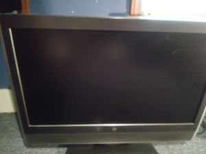 Tv 32 inched work good. for Sale in Winter Hill, MA