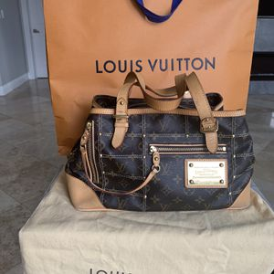 LOUIS VUITTON Monogram Riveting Bag for Sale in Hollywood, FL