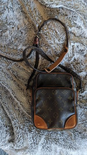 Louis Vuitton Amazon for Sale in North Aurora, IL