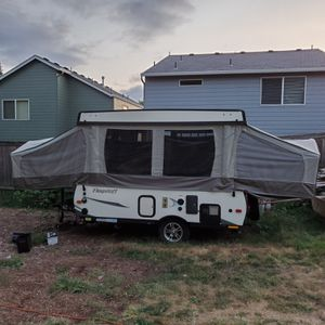 2017 Flagstaff mac 205 pop up camper trailer for Sale in Vancouver, WA