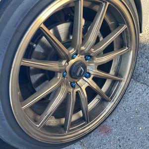 Cosmis R1 Hyper Bronze 18x9.5 +35 for Sale in San Jose, CA