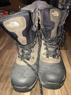 NORTH FACE MENS WATERPROOF BOOTS SIZE 8 for Sale in Portland, OR