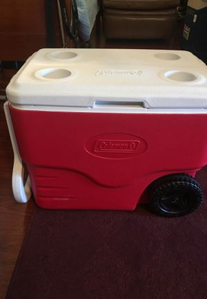 Coleman cooler with handle and wheels for Sale in San Rafael, CA