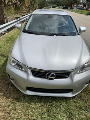 2012 Lexus CT200h clean tittle. With navigation for Sale in Davie, FL