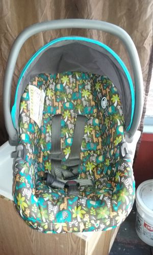Costco Infant Car Seat for Sale in Detroit, MI
