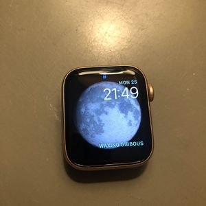 Apple Watch Series 6 GPS 44mm Gold Aluminum Case for Sale in Franklinton, NC