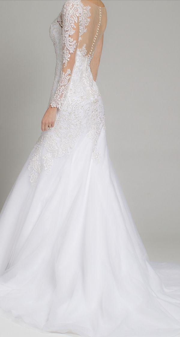 long sleeve Wedding dress Camilla Size 2 tailored to size O $1500 dollars originally