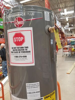 Brand new Rheem 40 gallon natural gas water heater for Sale in Baltimore, MD