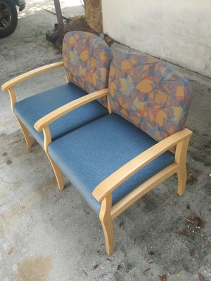 NICE LOBBY BENCH for Sale in Tampa, FL