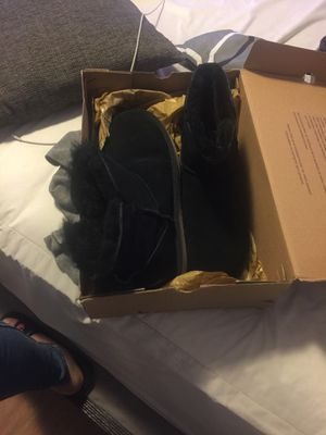 Kookaburra by ugg size 10 for Sale in River Rouge, MI