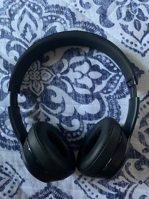 all black beats solo 3 for Sale in Pawtucket, RI