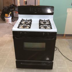 Gas stove for Sale in Cleveland,  OH