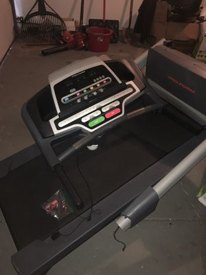 Pro form performance 400 Treadmill for Sale in Dublin, OH