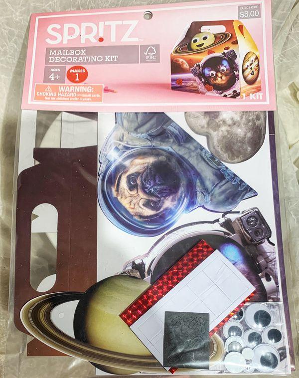 Mailbox Decorating Kits & Treat Bags