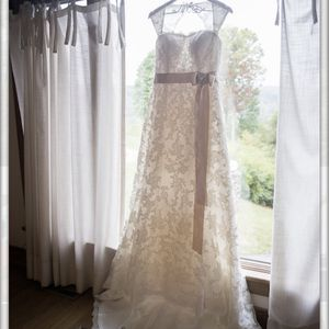 Gently Used Wedding Dress (by Maggie Sitters) for Sale in Arlington, VA