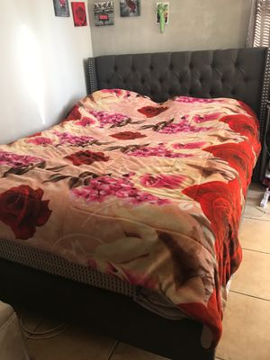 Queen bed frame $160 for Sale in Fontana, CA