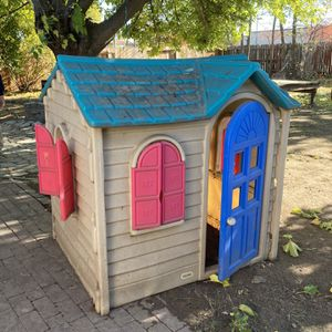 Fisher price Playhouse for Sale in Sacramento, CA