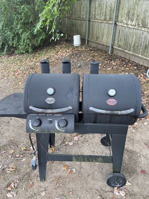 Free Gas / Charcoal grill for Sale in North Smithfield, RI