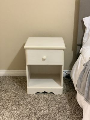 White Wood Nightstand Twin Full Queen King Bedroom Furniture Girls Drawer for Sale in Las Vegas, NV