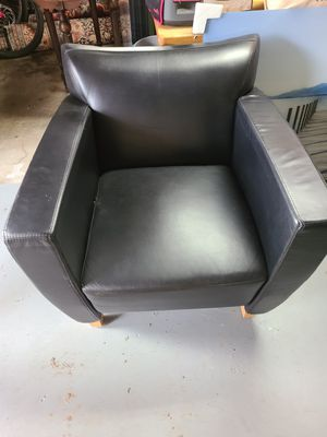 Black leather chair for Sale in Portland, OR