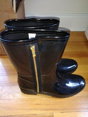 Women's Size 10 Short Rain Boots with Side zippers for Sale in Greer, SC