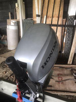 2018 Honda 15 hp outboard motor for Sale in Bluemont, VA