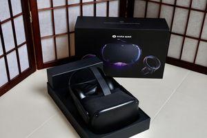 Oculus Quest - Like New - Original Box for Sale in Edmonds, WA
