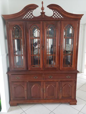 Antique China Cabinet for Sale in Deerfield Beach, FL