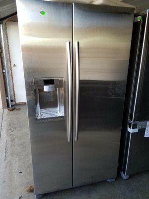 Samsung refrigerator doble door for Sale in Bell Gardens, CA