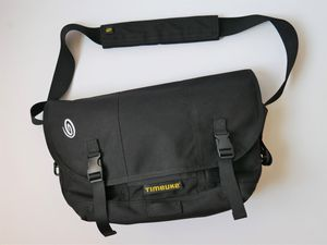 Timbuk2 Classic Messenger Commuter Laptop Computer Crossbody Bag Black for Sale in Chino Hills, CA