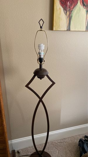 Floor lamp for Sale in Tualatin, OR