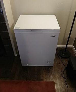 Artic king deep freezer for Sale in Dallas, TX