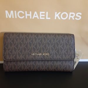 Michael Kors trifold Wallet for Sale in Bloomington, CA
