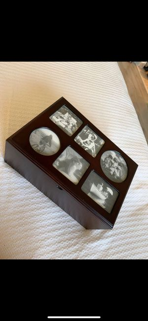 Photo storage box - capacity of 400 pictures for Sale in Hollywood, FL